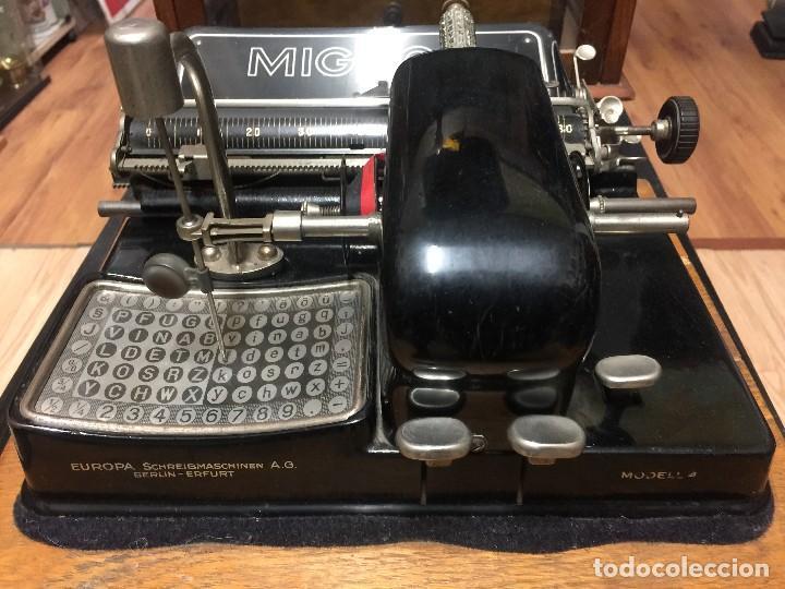 MAQUINA DE ESCRIBIR MIGNON Nº 4 CON ESTUCHE DE MADERA (Antigüedades - Técnicas - Máquinas de Escribir Antiguas - Mignon)