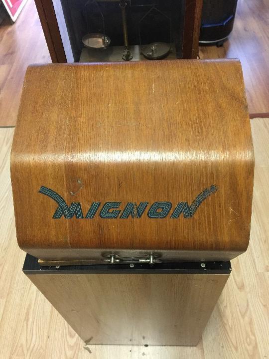 Antigüedades: MAQUINA DE ESCRIBIR MIGNON Nº 4 CON ESTUCHE DE MADERA - Foto 4 - 108042715
