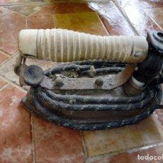 Antigüedades: ANTIGUA PLANCHA ELÉCTRICA COMPLETA. Lote 108044423