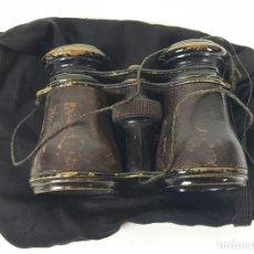 Antigüedades: BINOCULARES DE OPERA. PIEL Y METAL. FUNDA DE TELA. SIGLO XIX-XX. . Lote 108433667
