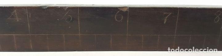 Antigüedades: REGLA. MADERA DE CAOBA. ESCALA EN PULGADAS. EUROPA. SIGLO XIX-XX. - Foto 4 - 108434559
