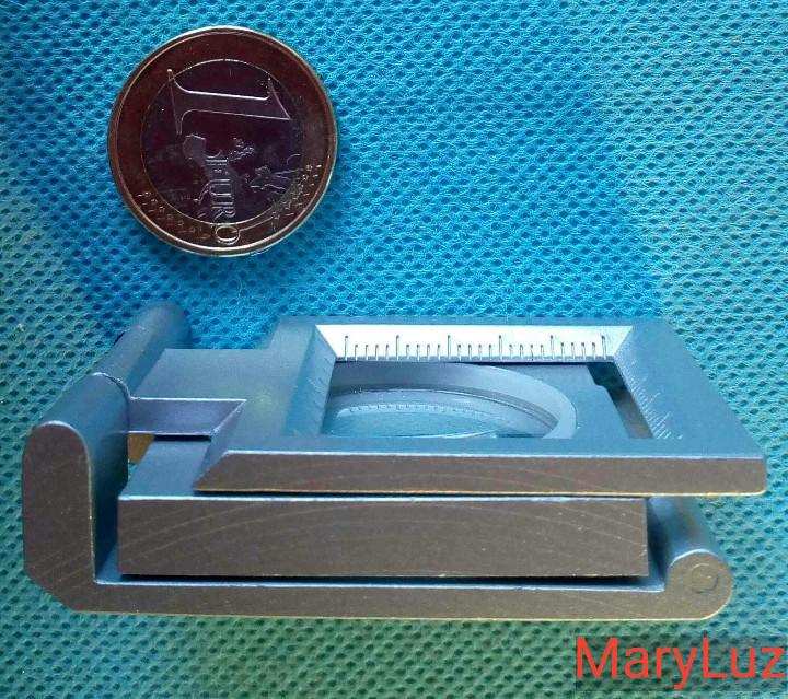 Antigüedades: LUPA-CUENTAHILOS PLEGABLE, DE METAL. (2). Nueva. En su caja original. Fabricada en Japón. - Foto 4 - 108461175