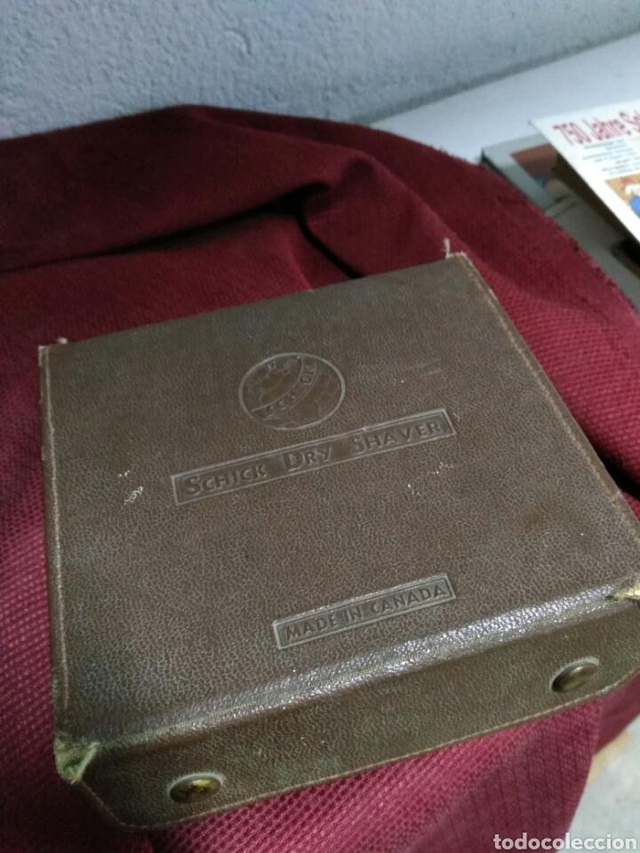 Antigüedades: Antigua maquinilla de afeitar SHICK DRY SHAVER made in canada en caja de piel muy buen estado maquin - Foto 8 - 108537260