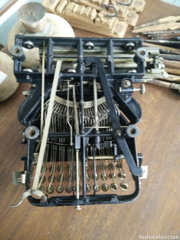Antigüedades: Maquina de escribir antigua LR - Foto 4 - 108708576
