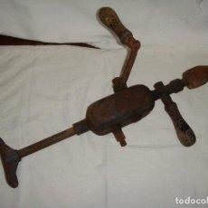 Antigüedades: ANTIGUO TALADRO MANUAL. . Lote 108750811