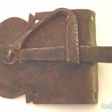 Antigüedades: PESTILLO PARA MUEBLE O ALACENA, SIGLO XVIII, HIERRO FORJA. Lote 108752483