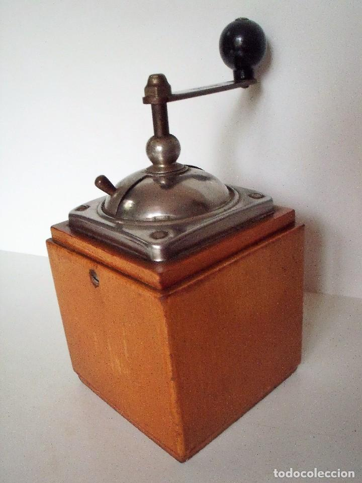 Antigüedades: MOLINILLO DE CAFÉ MARCA DIENES. MODELO 600. ALEMANIA. CA. 1950 - Foto 7 - 108848251