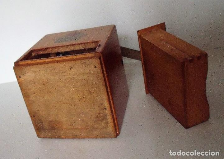 Antigüedades: MOLINILLO DE CAFÉ MARCA DIENES. MODELO 600. ALEMANIA. CA. 1950 - Foto 13 - 108848251