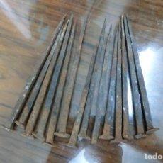 Antigüedades: LOTE DE 14 CLAVOS DEL SIGLO XVIII. Lote 109092275