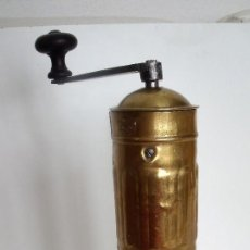 Antigüedades: MOLINILLO DE CAFÉ CILÍNDRICO MARCA PEUGEOT FRÈRES. MODELO H -TURCO-. FRANCIA. CA. 1902/1936. Lote 109352531