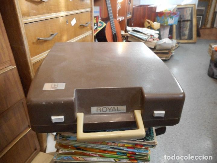 Antigüedades: maquina escribir royal portatil - Foto 2 - 109430619