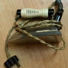 Antigüedades: ANTIGUA PLANCHA ELÉCTRICA. Lote 109452383