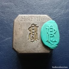 Antigüedades: CUÑO, TROQUEL, PISAPAPELES ANTIGUO , PRAT. Lote 109458427
