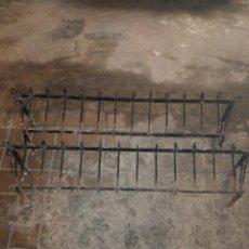 Antigüedades: PAREJA DE PEQUEÑOS BALCONES O JARDINERA PARA VENTANA. Lote 119447955