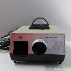Antigüedades: PROYECTOR DE DIAPOSITIVAS DIAMATOR M, AGFA, MADE IN GERMANY. Lote 109885979