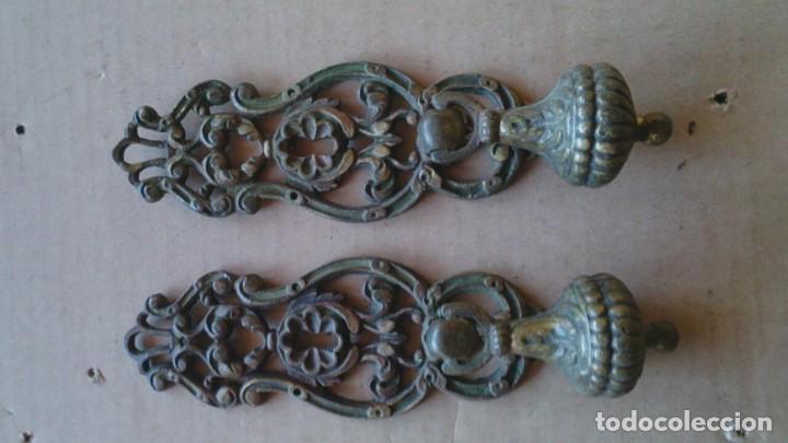 2 PRECIOSOS TIRADORES PUERTA ARMARIO (Antigüedades - Técnicas - Cerrajería y Forja - Tiradores Antiguos)