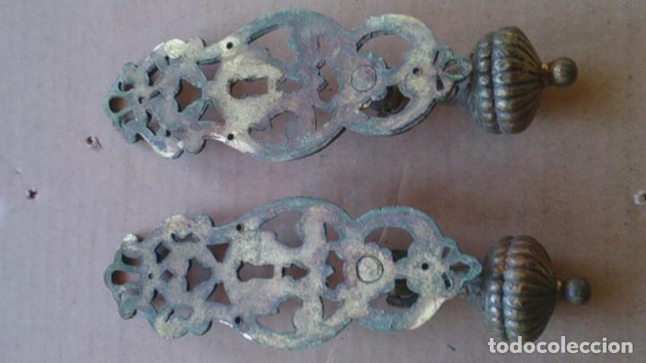 Antigüedades: 2 PRECIOSOS TIRADORES PUERTA ARMARIO - Foto 3 - 110015927