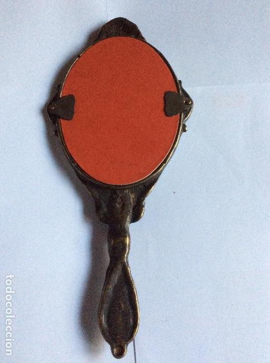 Antigüedades: ESPEJO DE MANO DE BRONCE LATONADO ESTiLO MODERNISTA - Foto 2 - 262492030