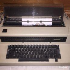 Antigüedades: MAQUINA DE ESCRIBIR IBM BUEN ESTADO Y FUNCIONAMIENTO. Lote 113522546