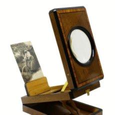 Antigüedades: 1880 - GRAFOSCOPIO VISOR LUPA PLEGABLE CON REGULADOR DE INCLINACIÓN. POSTAL MUJER BARBUDA INCLUIDA. Lote 110624595