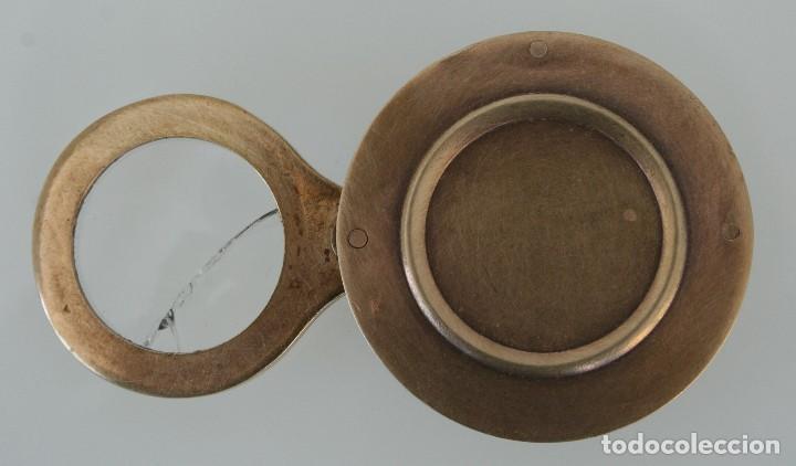 CURIOSA RARA PIEZA DE COLECCIÓN: ANTIGUA LUPA INGLESA ABATIBLE DE BRONCE DE SOBREMESA O BOLSILLO (Antigüedades - Técnicas - Instrumentos Ópticos - Lupas Antiguas)