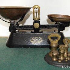 Antigua balanza de cocina ¨THE VIKING¨, original años 40, juego completo de pesas en bronce.