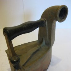 Antigüedades: PLANCHA ANTIGUA DE CARBO. Lote 110678283