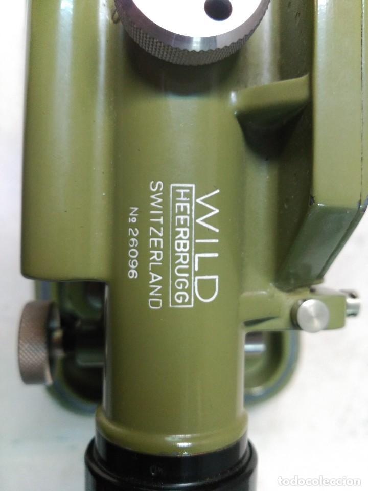 Antigüedades: NIVEL TOPOGRAFICO WILD HEERBRUGG SWISS MADE EN METAL VERDE OLIVA - Foto 15 - 110713835