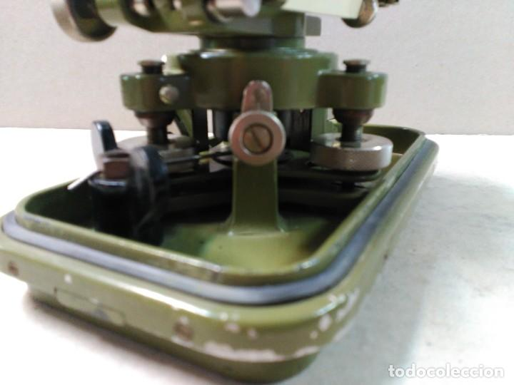 Antigüedades: NIVEL TOPOGRAFICO WILD HEERBRUGG SWISS MADE EN METAL VERDE OLIVA - Foto 19 - 110713835