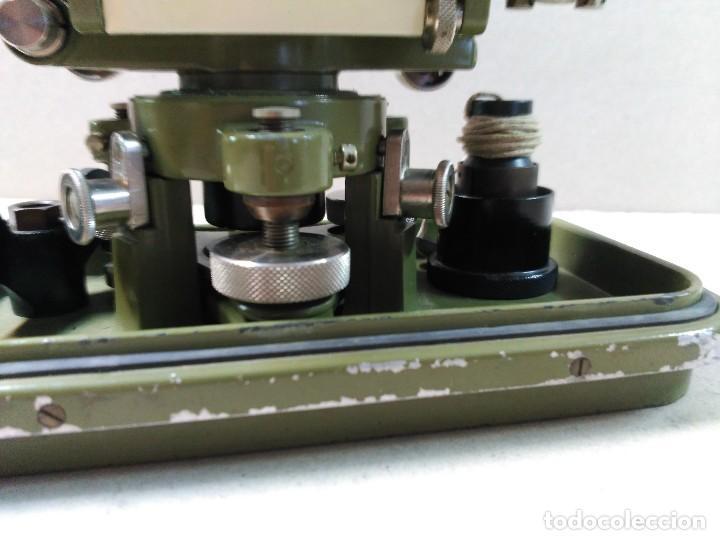 Antigüedades: NIVEL TOPOGRAFICO WILD HEERBRUGG SWISS MADE EN METAL VERDE OLIVA - Foto 20 - 110713835