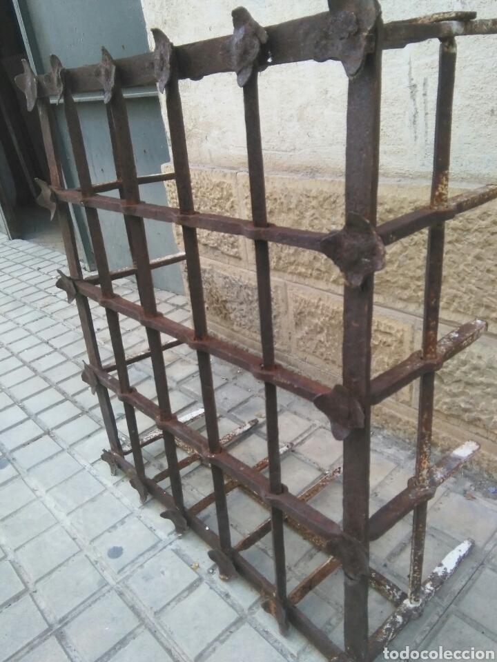 Antigüedades: Reja de forja siglo XVII - Foto 5 - 110996096