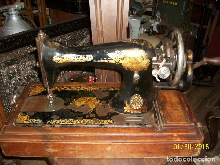 ANTIGUA MAQUINA DE COSER SINGER-FUNCIONA (Antigüedades - Técnicas - Máquinas de Coser Antiguas - Singer)