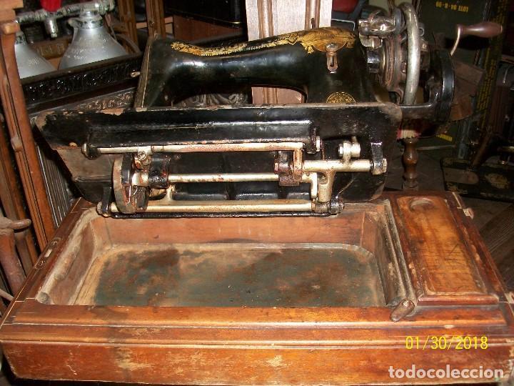 Antigüedades: ANTIGUA MAQUINA DE COSER SINGER-FUNCIONA - Foto 2 - 111055247