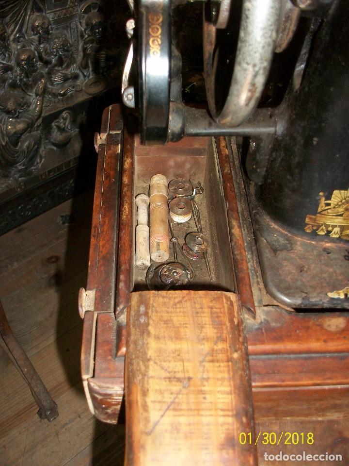 Antigüedades: ANTIGUA MAQUINA DE COSER SINGER-FUNCIONA - Foto 6 - 111055247