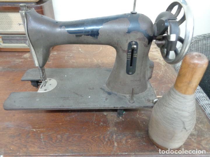 MAQUINA DE COSER WERTHEIM CON BOBINA MADERA (Antigüedades - Técnicas - Máquinas de Coser Antiguas - Wertheim )