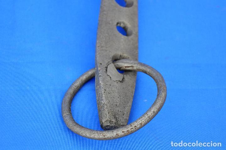 Antigüedades: Argolla con gancho. - Foto 4 - 111295199