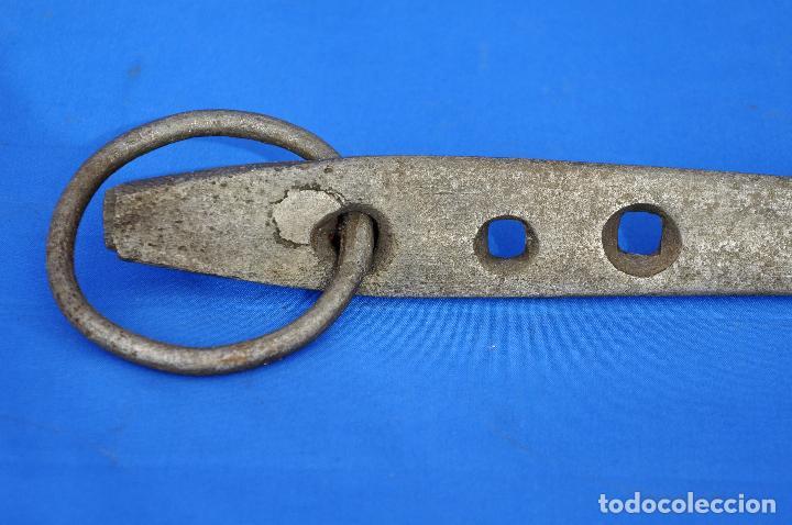 Antigüedades: Argolla con gancho. - Foto 6 - 111295199
