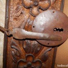 Antigüedades: CERRADURA DE FORJA VALLISOLETANA POPULAR FINALES DEL XVIII . Lote 111313199