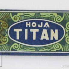 Antigüedades: ANTIGUA HOJA / CUCHILLA DE AFEITAR - TITAN - MEDIDAS 4,5 X 2,5 CM. Lote 111344607