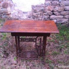 Antigüedades: MESA DE COSER WERTHEIM ANTIGUA SIN MÁQUINA. Lote 111364079