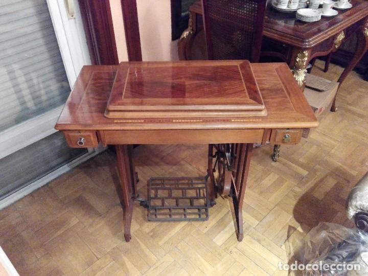 MAQUINA DE COSER ALFA CON MUEBLE (Antigüedades - Técnicas - Máquinas de Coser Antiguas - Alfa)