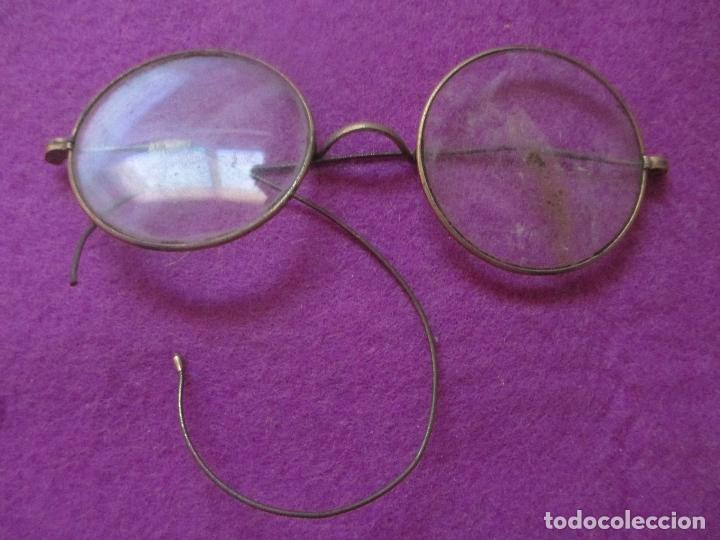 ANTIGUAS GAFAS TIPO QUEVEDO, PATILLA ROTA CON HILO, MIDE APROX. 11CMS, B1 (Antigüedades - Técnicas - Instrumentos Ópticos - Gafas Antiguas)
