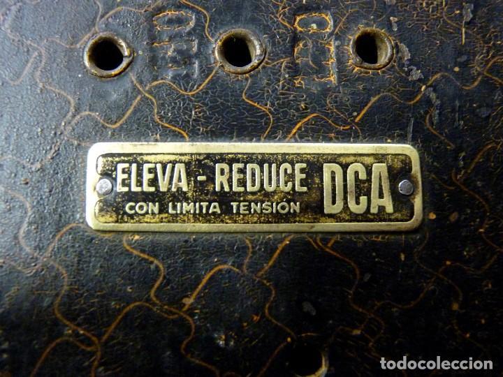 Antigüedades: ELEVADOR REDUCTOR CON LIMITA TENSIÓN. DCA MOD. D-180. AÑOS 30 - Foto 2 - 111662803
