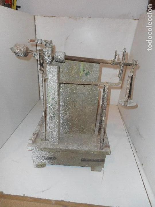 Antigüedades: bascula de madera antigua recogida en provincia barcelona - Foto 5 - 111858431
