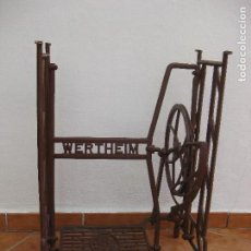 Antigüedades: PIE DE MAQUINA DE COSER WERTHEIM. Lote 111912883