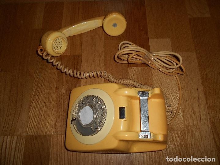 Teléfonos: TELEFONO ANTIGUO COLOR HUESO AÑOS 70 ORIGINAL Y FUNCIONAL TIPO INGLES PERO ESPAÑOL RARO - Foto 3 - 111949879
