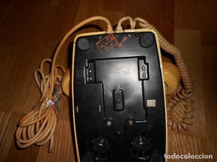 Teléfonos: TELEFONO ANTIGUO COLOR HUESO AÑOS 70 ORIGINAL Y FUNCIONAL TIPO INGLES PERO ESPAÑOL RARO - Foto 4 - 111949879