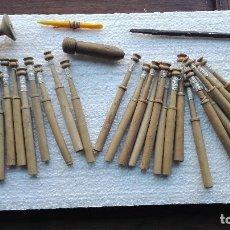 Antigüedades: LOTE BOLILLOS Y COSTURA ANTIGUOS. Lote 112158427