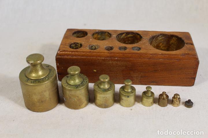 Antigüedades: juego de 8 pesas - ponderales en bronce pesas en bronce grabadas - Foto 2 - 112188835