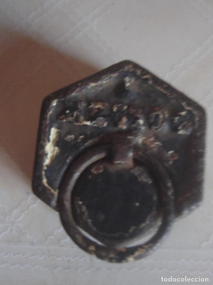Antigüedades: Juego de 3 x pesa hexagonal de hierro de 2 hectogramos, 1 hectogramo y 1/2 hectogramo. - Foto 6 - 112216583